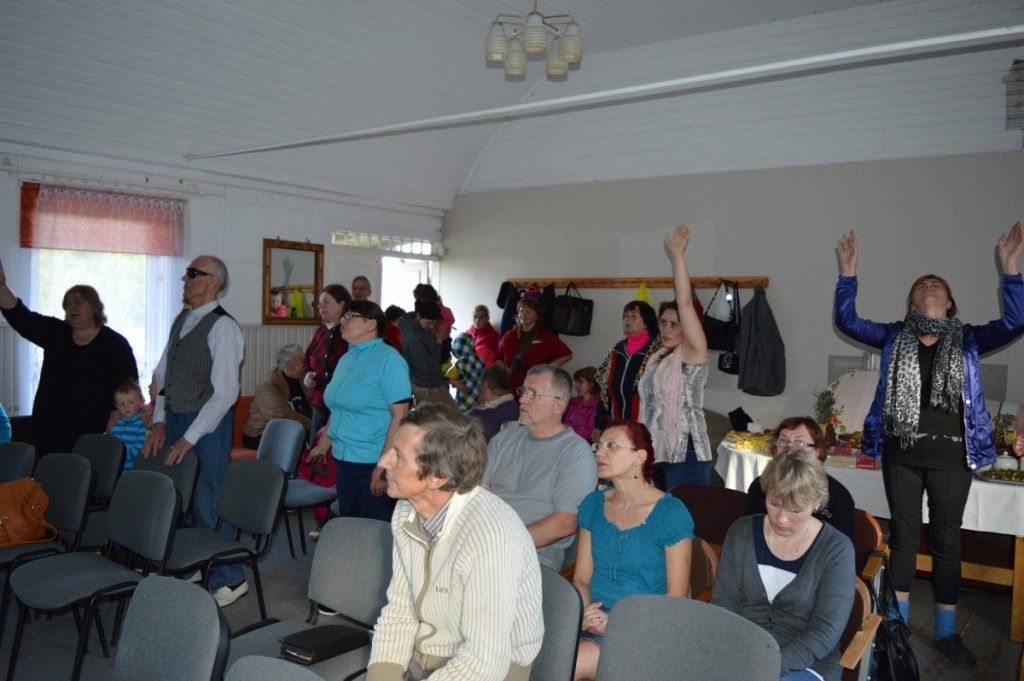 Valjala Rahu koguduse teenistus
